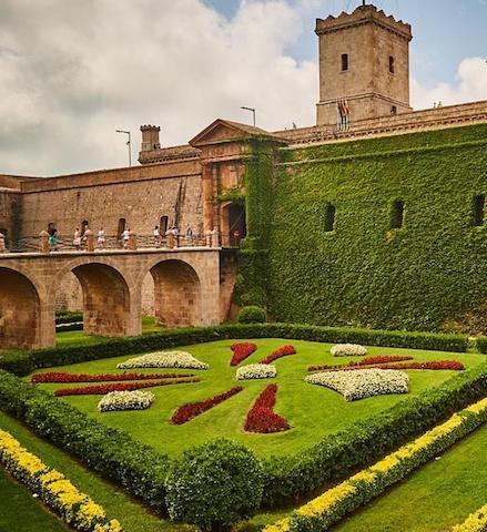 Замок Монжуик Барселона